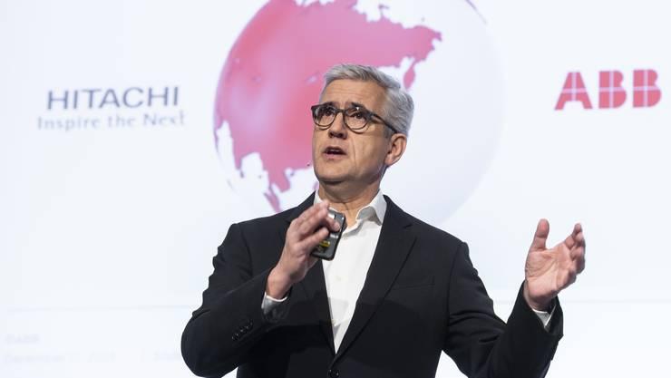 Beim Verkauf der Stromnetzsparte von ABB an die japanische Firma Hitachi gab es viele Fragen. Im Bild: ABB-CEO Ulrich Spiesshofer.