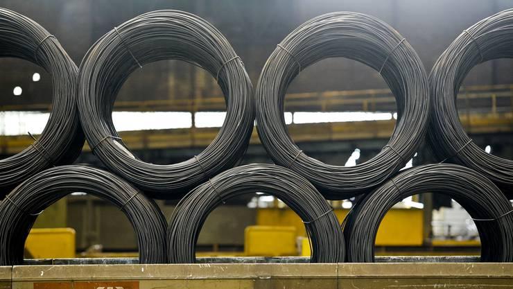 Nach der Franken-Freigabe fordert die Solothurner Handelskammer Massnahmen. Im Bild das Stahlwerk Gerlafingen.