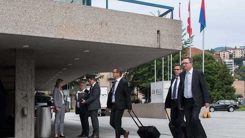Ankunft der Delegierten der Raiffeisen Gruppe Schweiz an der Delegiertenversammlung in Lugano.