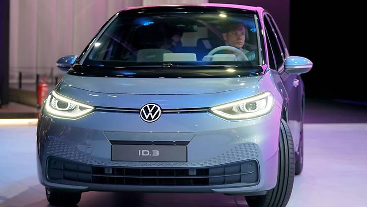 """Volkswagen will im laufenden Jahr 2020 rund 10'000 E-Autos auf Basis seines neuen """"Modularen Elektrobaukastens (MEB) herstellen. (Archivbild)"""