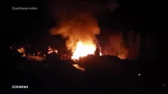 Millionenschaden bei Grossbrand in Schwyzer Sägerei