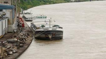 Der Rhein ist für die Schifffahrt wieder offen (Archiv)