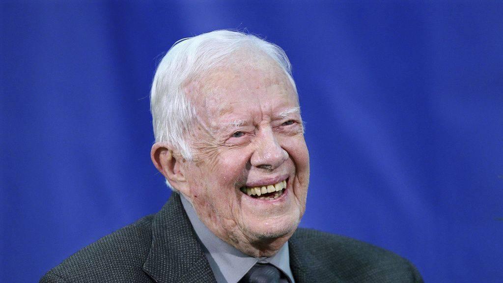 Jimmy Carter stürzt zu Hause und kommt mit blauem Auge davon