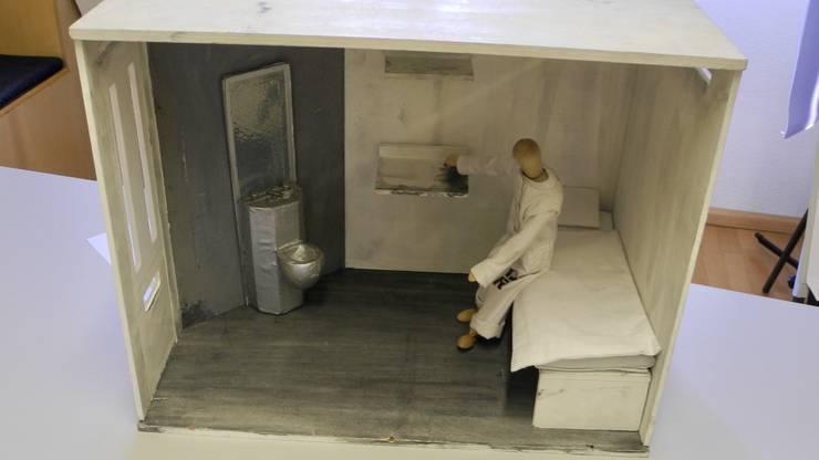 Im Rahmen des Projekts connectdeathrow erhalten zwei Konfirmationsklassen die Möglichkeit, Briefe mit Gefangenen im Todestrakt auszutauschen