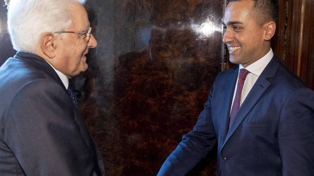 """Italiens Staatspräsident Sergio Mattarella empfängt den Chef der Fünf-Sterne-Bewegung, Luigi di Maio. """"Wir lassen das Schiff nicht untergehen"""", versichert Di Maio nach den Beratungen."""
