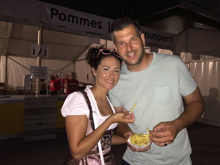 Tomas aus Schwarzenbach hatte vor allem Freude an den Pommes Frites (Bild: Lara Abderhalden)