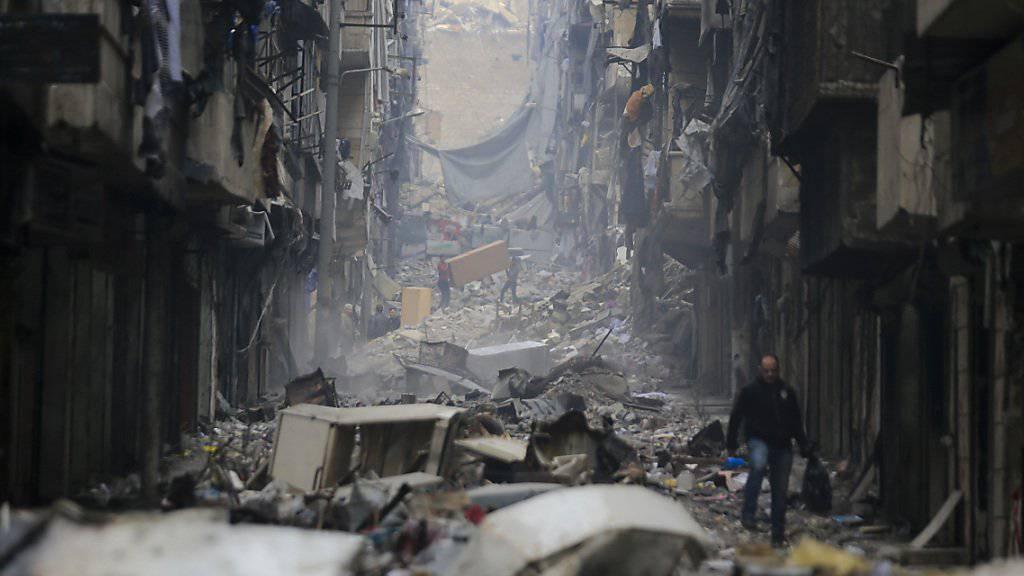 Das Stromnetz und die Wasserleitungen funktionieren in grossen Teilen der gesamten Stadt Aleppo nicht. (Archiv)