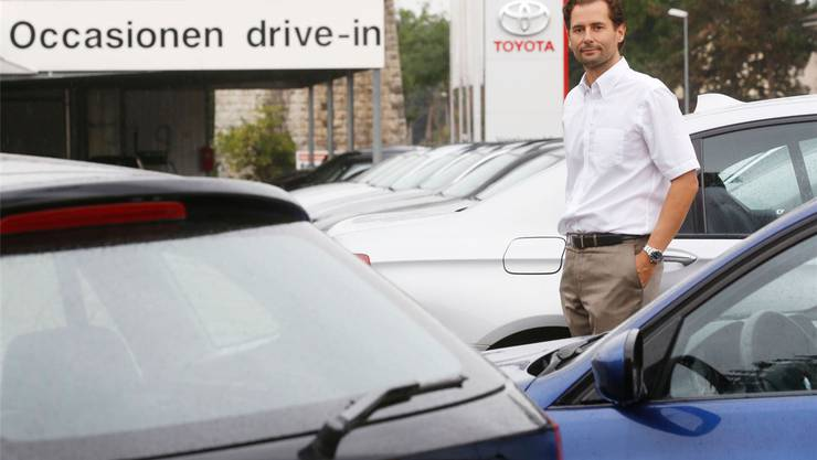 Philipp Vogelsang, Chef der Garage Vogelsang AG in Grenchen, hat im ersten Halbjahr 2012 deutlich mehr Auto-Occasionen verkauft.Hanspeter Bärtschi