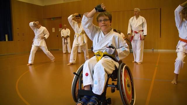 Yannick Schritt für Schritt: Karate-Prüfung