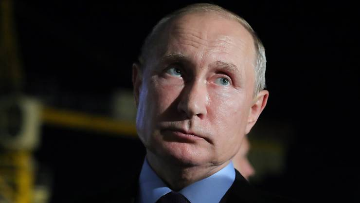 Glücklich und zufrieden sieht anders aus: der russische Präsident Wladimir Putin und seine Partei waren schon beliebter.