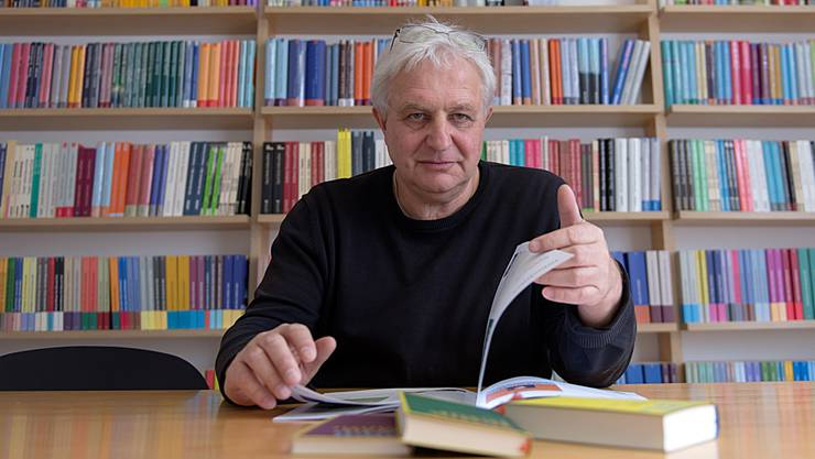 Gründer und Verlagsleiter des Basler Lenos Verlags: Tom Forrer. GEORGIOS KEFALAS/Keystone