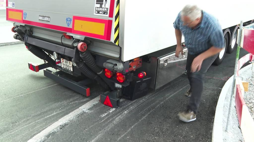 Wütende Fahrer: Neuer Kreisel in Wattwil zerkratzt die LKW's