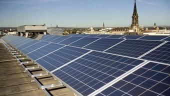 Fotovoltaik soll weiter gefördert werden, Dächer gibt es genug.