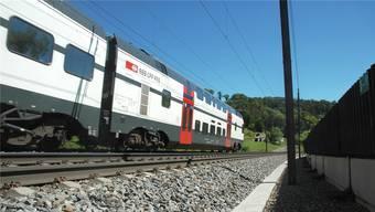 Auf der Bözberglinie – hier der Abschnitt in Villnachern – sollen in Zukunft mehr Züge verkehren.