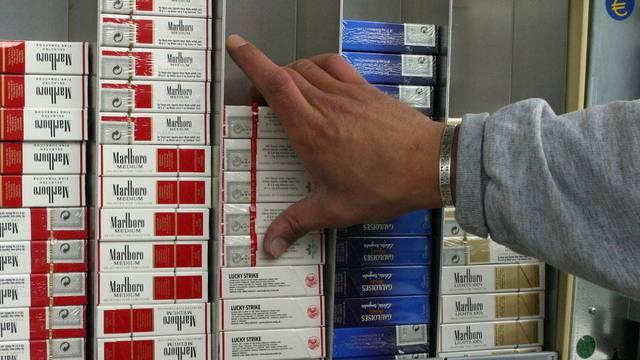 Diebe stehlen 50 Zigarettenstangen aus Grenchner Kiosk (Symbolbild)
