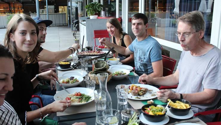 Wie Essen braucht der Mensch Kultur, sagen die Mitglieder von «Friss!Kultur».