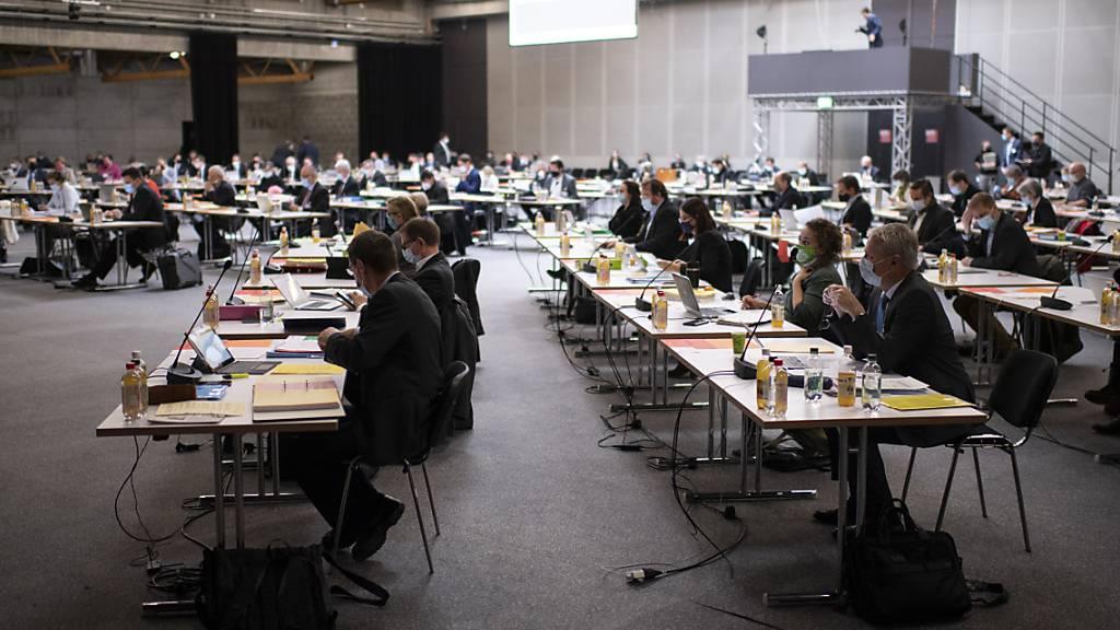 Der St. Galler Kantonsrat wird in der Junisession über Anpassungen bei den Hilfen für Härtefälle diskutieren. (Symbolbild)