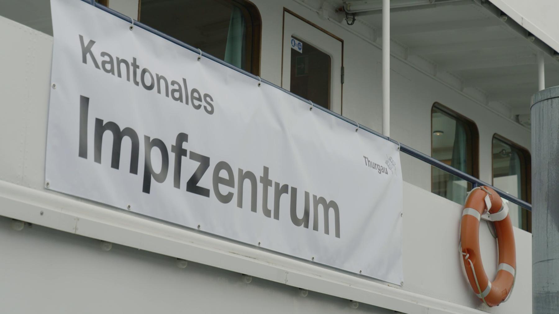 Seit letztem Dienstag kann sich die Thurgauer Bevölkerung auf dem ersten Impf-Schiff der Schweiz gegen Covid-19 impfen lassen