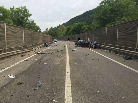 Der Autofahrer erlitt beim Unfall tödliche Verletzungen.