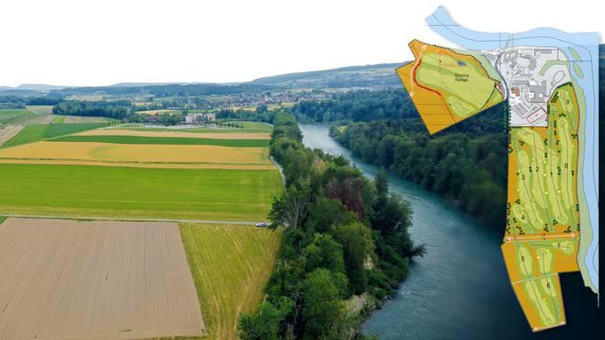 Auf den heute landwirtschaftlich genutzten Flächen soll beim «Reusspark» in Niederwil (Gebäude in der Bildmitte, auf dem Plan rechts in grau) ein Golfplatz entstehen