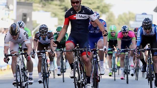 Matteo Pelucchi sichert IAM den zweiten Saisonsieg