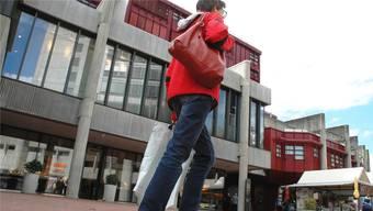 In den Brugger Neumarkt-Geschäften sparen FHNW- Studenten bis 15 Prozent.