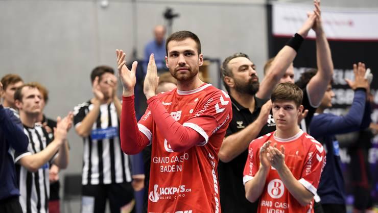 Milomir Radovanovic (M.) und sein TV Endingen müssen zehn Tage in Quarantäne.