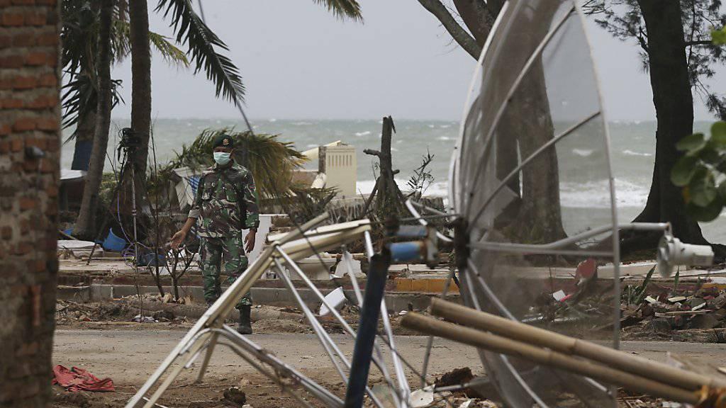 """Nach Naturkatastrophen wie dem verheerenden Erdbeben auf Indonesischen Inseln kurz vor Weihnachten fehlt in den betroffenen Regionen häufig Strom. Bei """"Tech4Good"""" geht es um Projekte, welche Technik für solche und ähnliche Fälle entwickeln. (Archivbild)"""