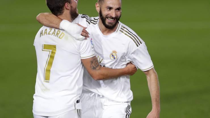 Karim Benzema (rechts) traf für Real gegen Valencia zweimal