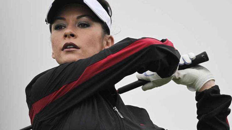 Catherine Zeta-Jones auf dem Golfplatz