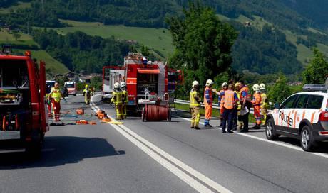 mann und zwei kinder aus dem aargau verbrennen im auto. Black Bedroom Furniture Sets. Home Design Ideas