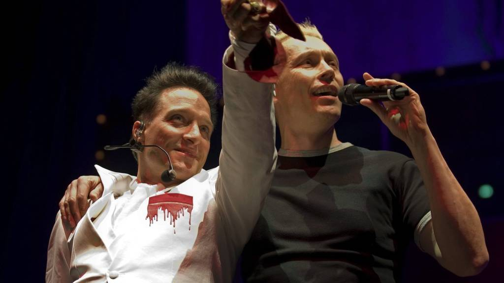 Die Single ist nur ein Vorgeschmack: Im Herbst veröffentlichen Die Ärzte - hier die Mitglieder Bela B, links, und Farin Urlaub im Jahr 2011 - ein neues Album.