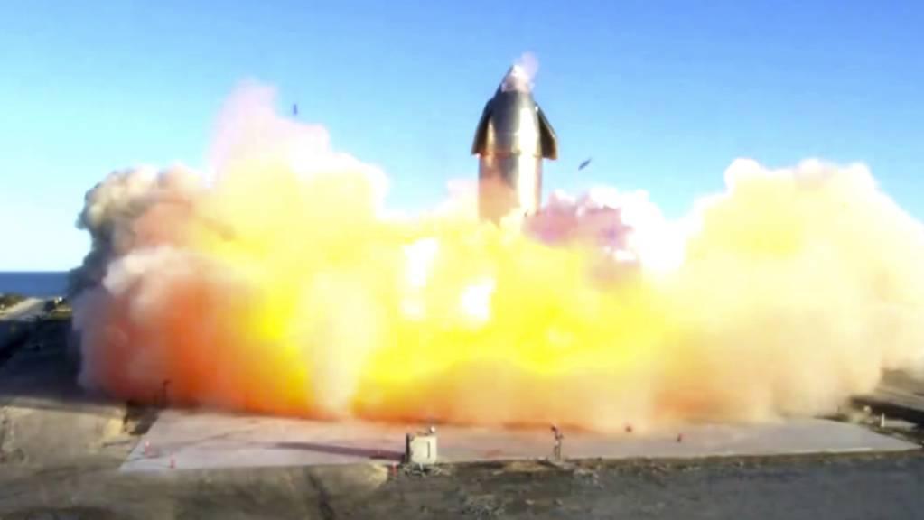 Die unbemannte SpaceX-Rakete «Starship» explodiert am 9. Dezember beim Versuch das Gefährt nach einem Testflug wieder zu landen.