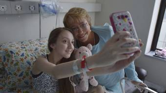 Patientin und Präsidentin: Valentina Maureira und Michelle Bachelet