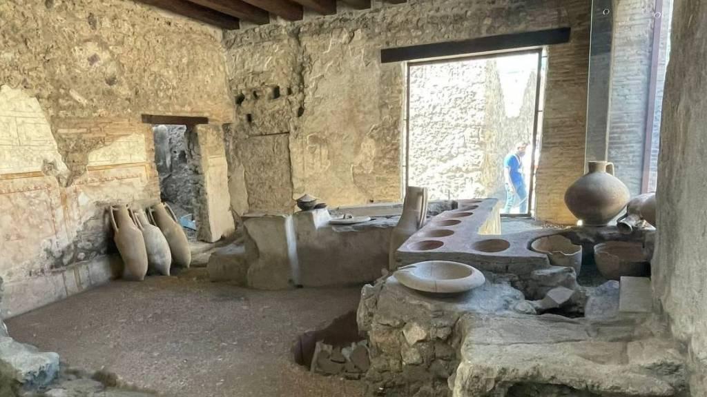 Antike Snackbar in Pompeji wird für Besucher zugänglich