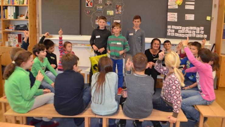 Die Schüler verfolgten den Unterricht von Tim, Emanuel und Edon interessiert.