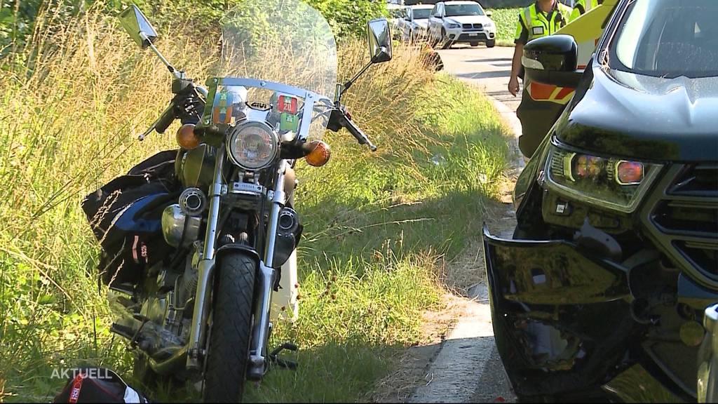 Auffahrkollision in Herznach: Auto rammt Vater und Tochter auf Motorrad