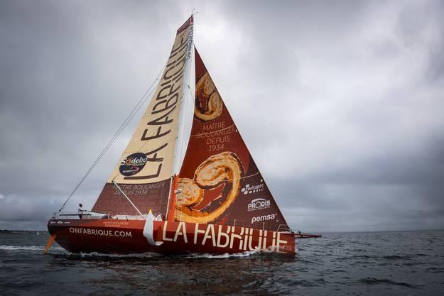 18,3 Meter sind die Boote der Imoca-Klasse lang. Dank Hydrofoils segeln sie mit bis zu 40 Knoten über die Weltmeere.