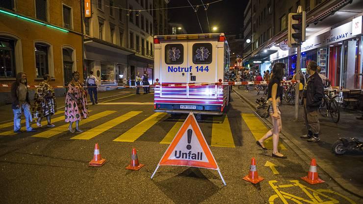Grosseinsatz: Zürcher Rettungssanitäter wurde bei einem Einsatz schwer verletzt