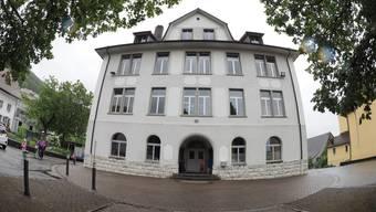 Das Schulhaus Oberdorf in Oberbuchsiten.