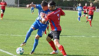 Avni Halimi (l.) schoss den FC Olten mit seinem Tor in der 82. Minute zum ersten Saisonsieg.