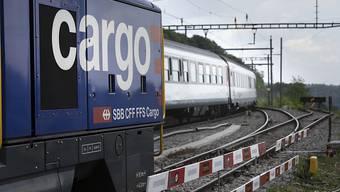 SBB Cargo ist nach tiefroten Zahlen wieder in die Gewinnzone zurückgekehrt. (Archivbild)