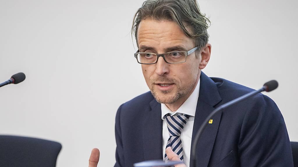 Der Urner Regierungsrat Urs Janett (FDP) fordert namens der Zentralschweizer Finanzdirektoren eine Öffnung der Wirtschaft.