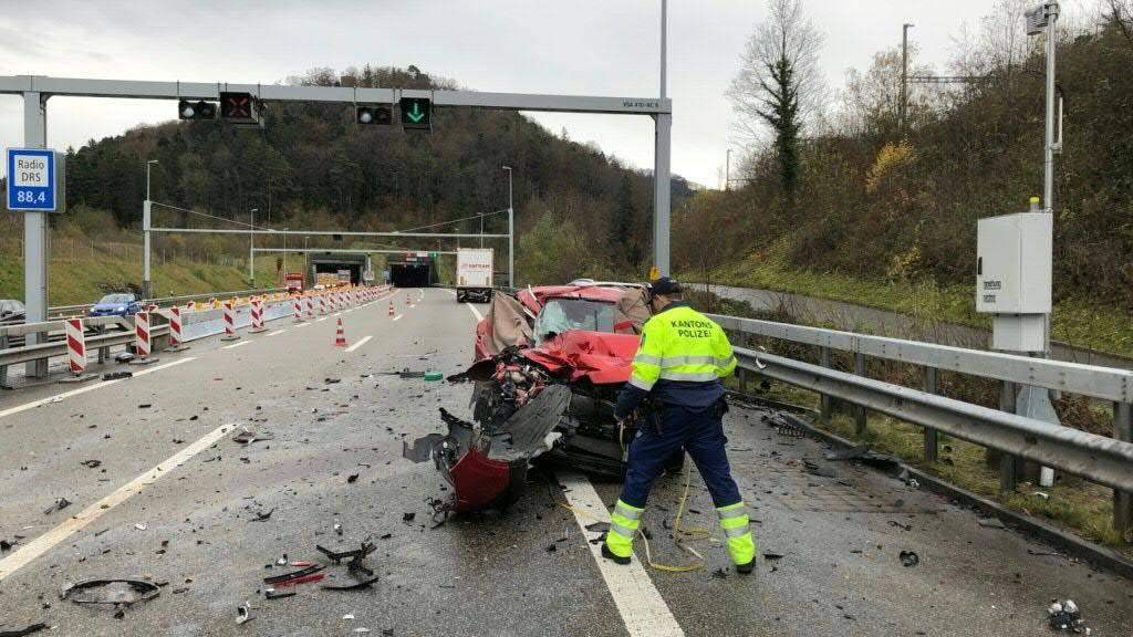 Schwerer Unfall: Eine Frau und zwei Männer wurden getötet