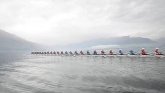 Das längste Rennruderboot der Welt auf dem Lago Maggiore