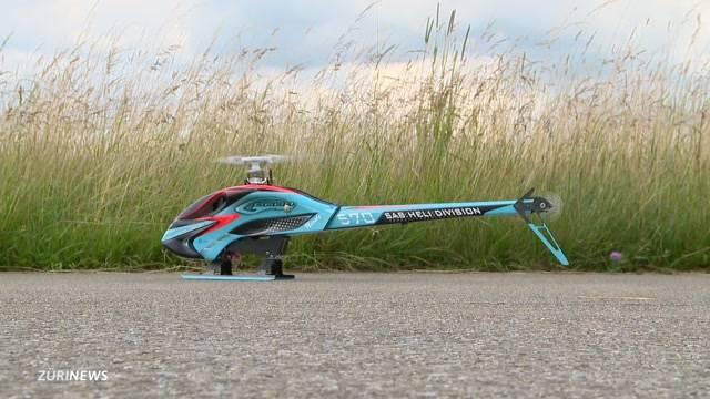 Modell-Helikopter und Mini-Kampfjets in Dübendorf