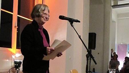 Elke Erb bei einer Lesung an der Leipziger Buchmesse.