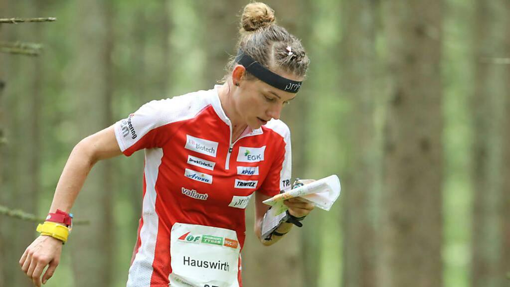 Rennen und Karte lesen: Sabine Hauswirth macht es vor. (Archivaufnahme)