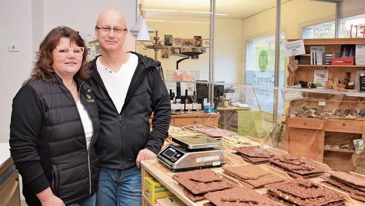 Sandra und Jürg Binder haben in diesem Jahr neu ihren SchoggiEgge eingerichtet an ihrem Geschäftssitz.