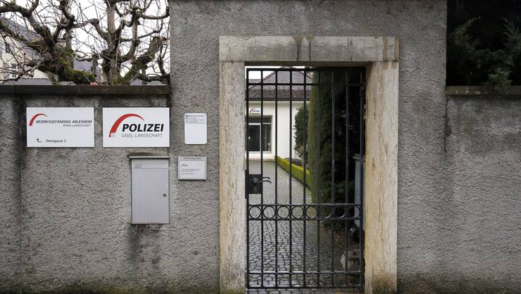 Das in die Jahre gekommene Arlesheimer Bezirksgefängnis wird mindestens bis 2018 weitergeführt.